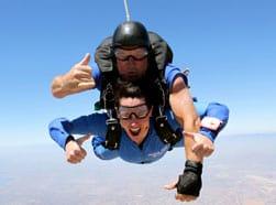 steph_skydiving_251x186